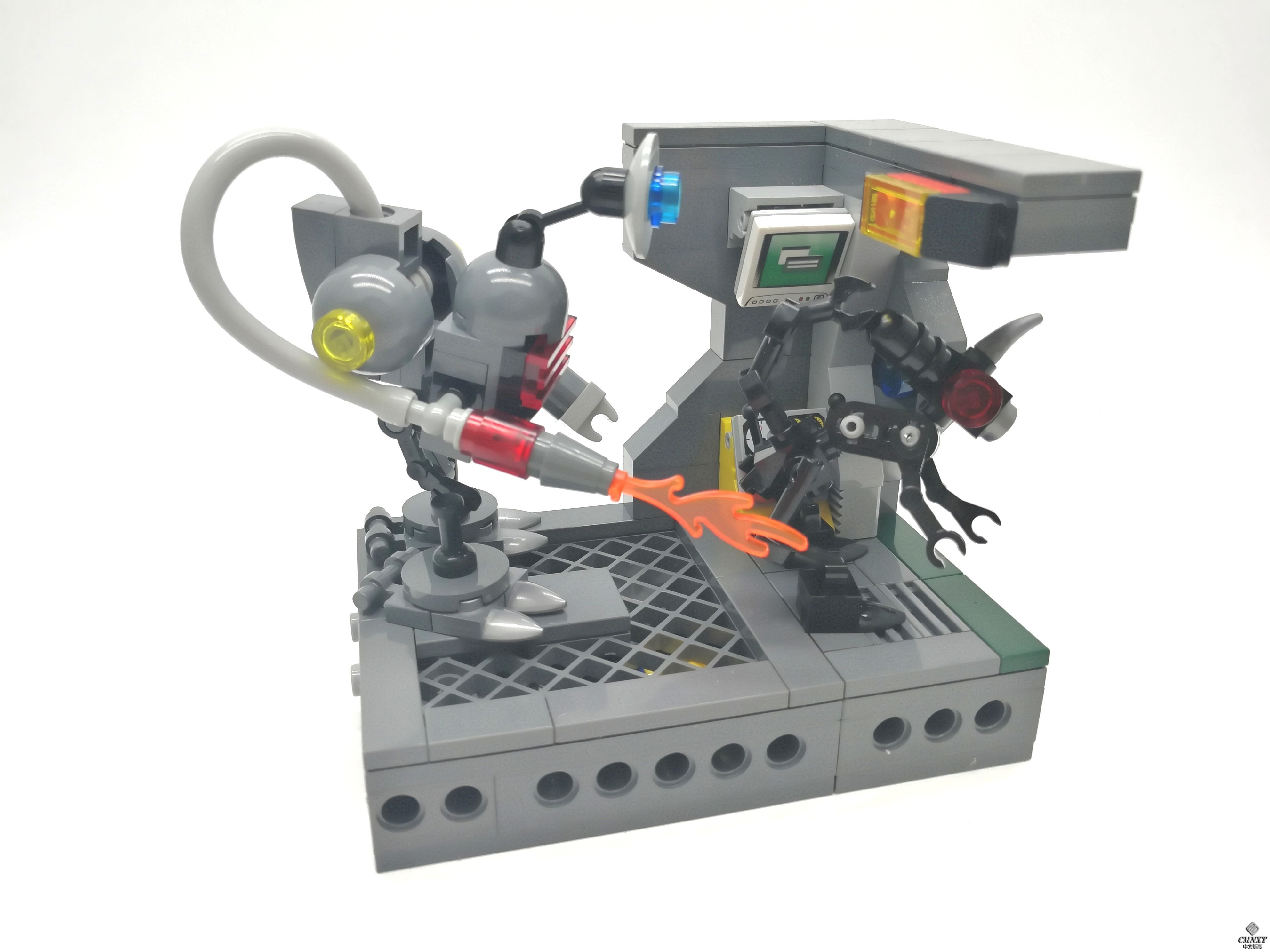 MOC - Clean out the Aliens 01 a.jpg