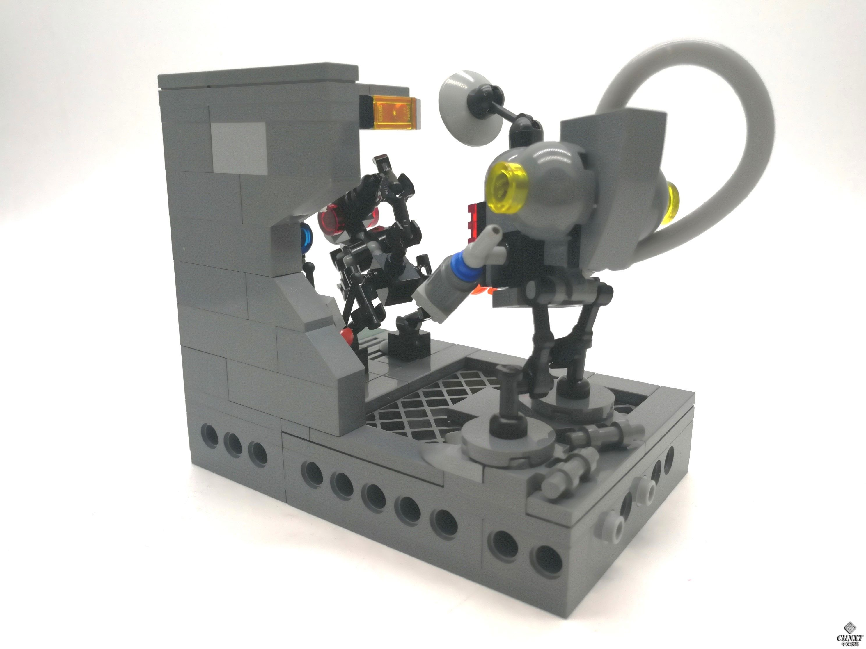 MOC - Clean out the Aliens 04 a.jpg