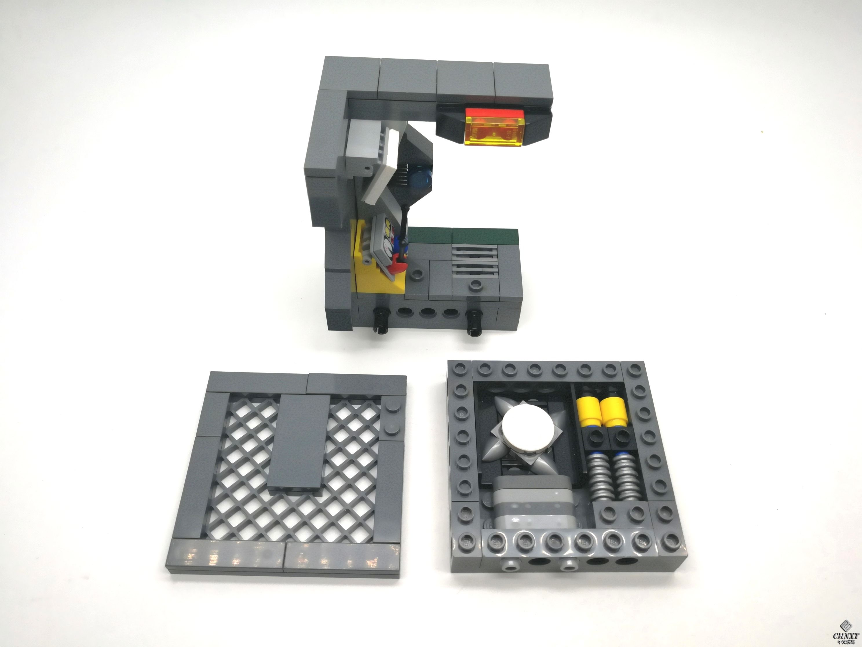 MOC - Clean out the Aliens 10 a.jpg